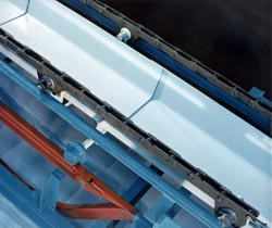 TKV tray conveyor was designed for handling problem materials.